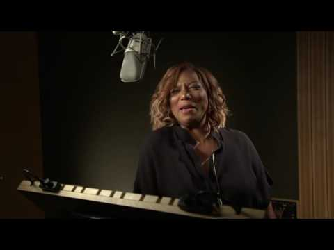 """Ice Age: Collision Course: Queen Latifah """"Ellie"""" Behind the Scenes Voice Recording 