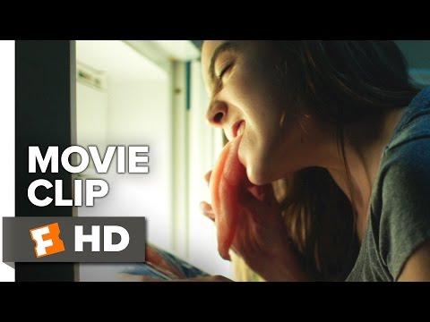 Raw Movie CLIP - Raw Chicken (2017) - Garance Marillier Movie