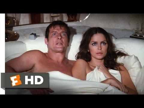 The Spy Who Loved Me (10/10) Movie CLIP - The Escape Pod (1977) HD