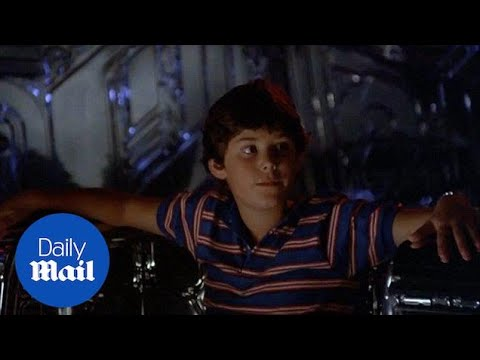 Trailer for Disney's 1986 sci-fi hit Flight of the Navigator - Daily Mail