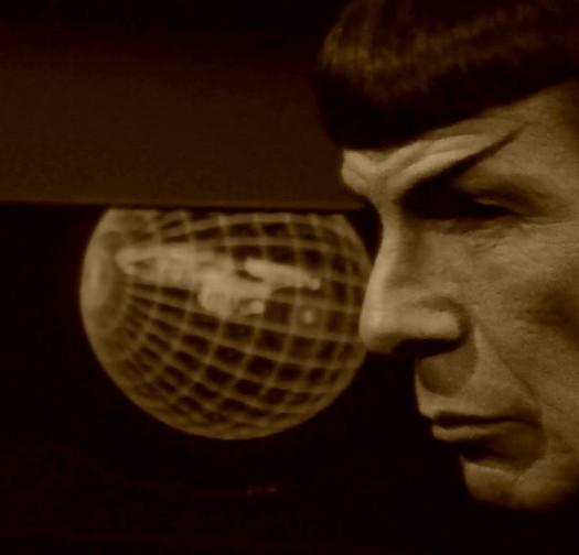 celebrities-mourn-leonard-nimoy-spock