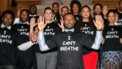 Photo of Should Stars Apologize for 'Hands Up' Ferguson Lie?