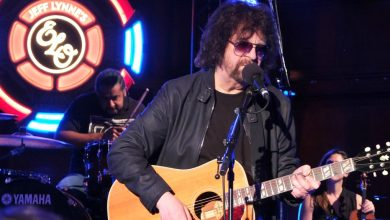 Photo of Jeff Lynne's 'Universe' – Arena Rock Aging Gracefully