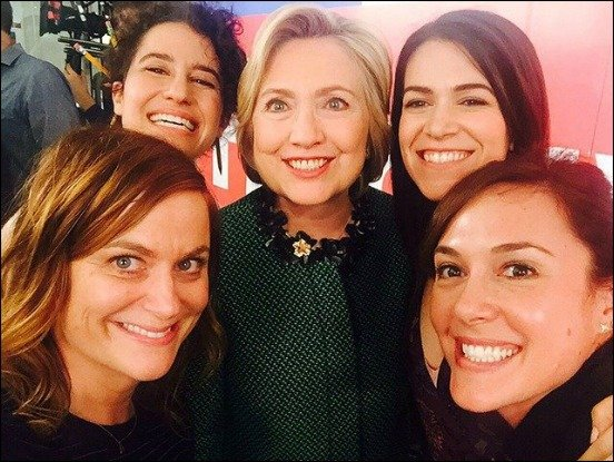 Hillary-Clinton-hollywood-selfie