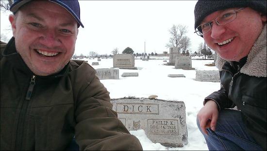 philip-k-dick-grave-selfie