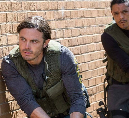 triple-9-review-casey-affleck-anthony-mackie