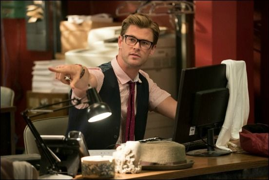 ghostbusters-chris-hemsworth-safe-space