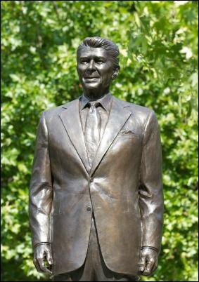 reagan-statue-mark-joseph-