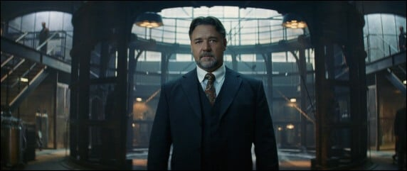 russell crowe as dr jekyll in The Mummy