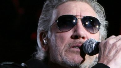 Photo of Roger Waters Praises Refugees, Bashes Trump in Concert