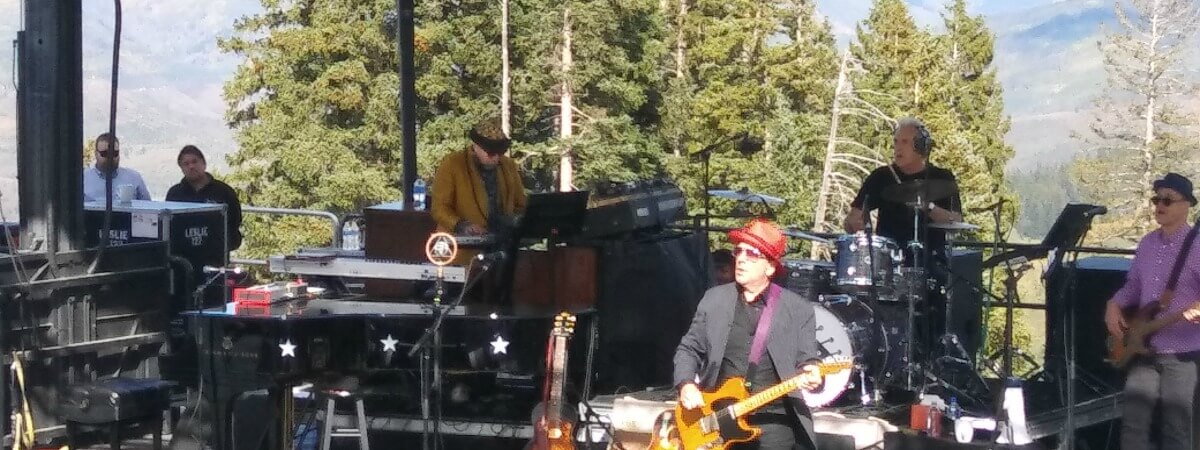 elvis costello hike to the mic