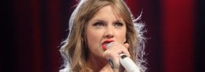 taylor-swift-aggressively-white-racist