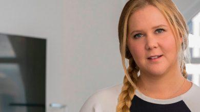 Photo of Critics Weaponize Whiteness Against Amy Schumer's 'Pretty' Pic