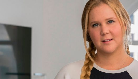 Critics Weaponize Whiteness Against Amy Schumer's 'Pretty' Pic