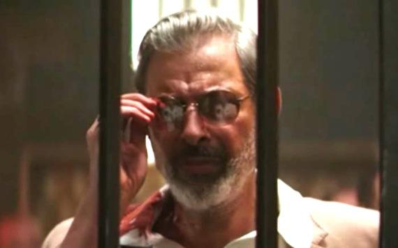 Jeff Goldblum wearing glasses in Hotel Artemis