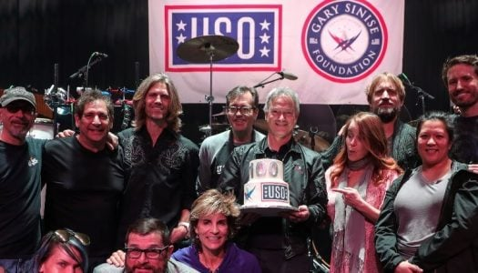 Gary Sinise Makes It an Even 100 USO Tours