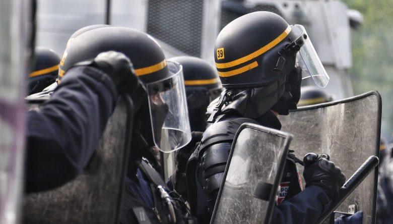 FBI Lovebirds violence free speech