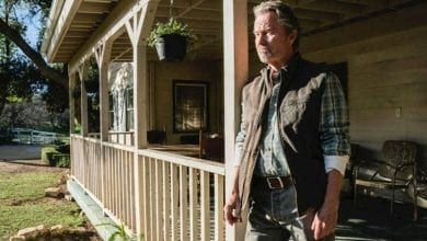 Photo of John Savage Draws Strength from Fan Recognition, Military Veterans