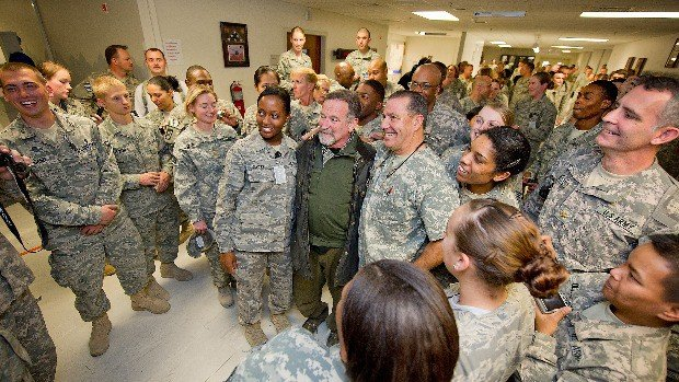 robin williams military visit
