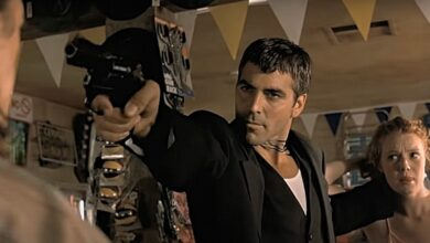 from dusk till dawn review George Clooney gun